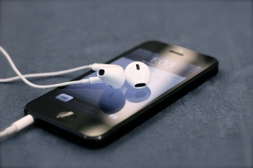 The newly designed Apple Earpods are a great improvement on the previous model, with better sound quality and comfort.