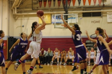 Junior Ariella Rosenthal shoots over a Piedmont defender in the Giants' loss.