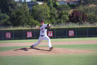 Former redwood baseball player Tyler Peck