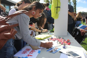 Junior Aryanka Thaker signs up for Make-A-Wish.