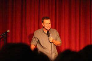 Ex-Seinfeld comedian, Steve Hytner, shares his wit with the audience