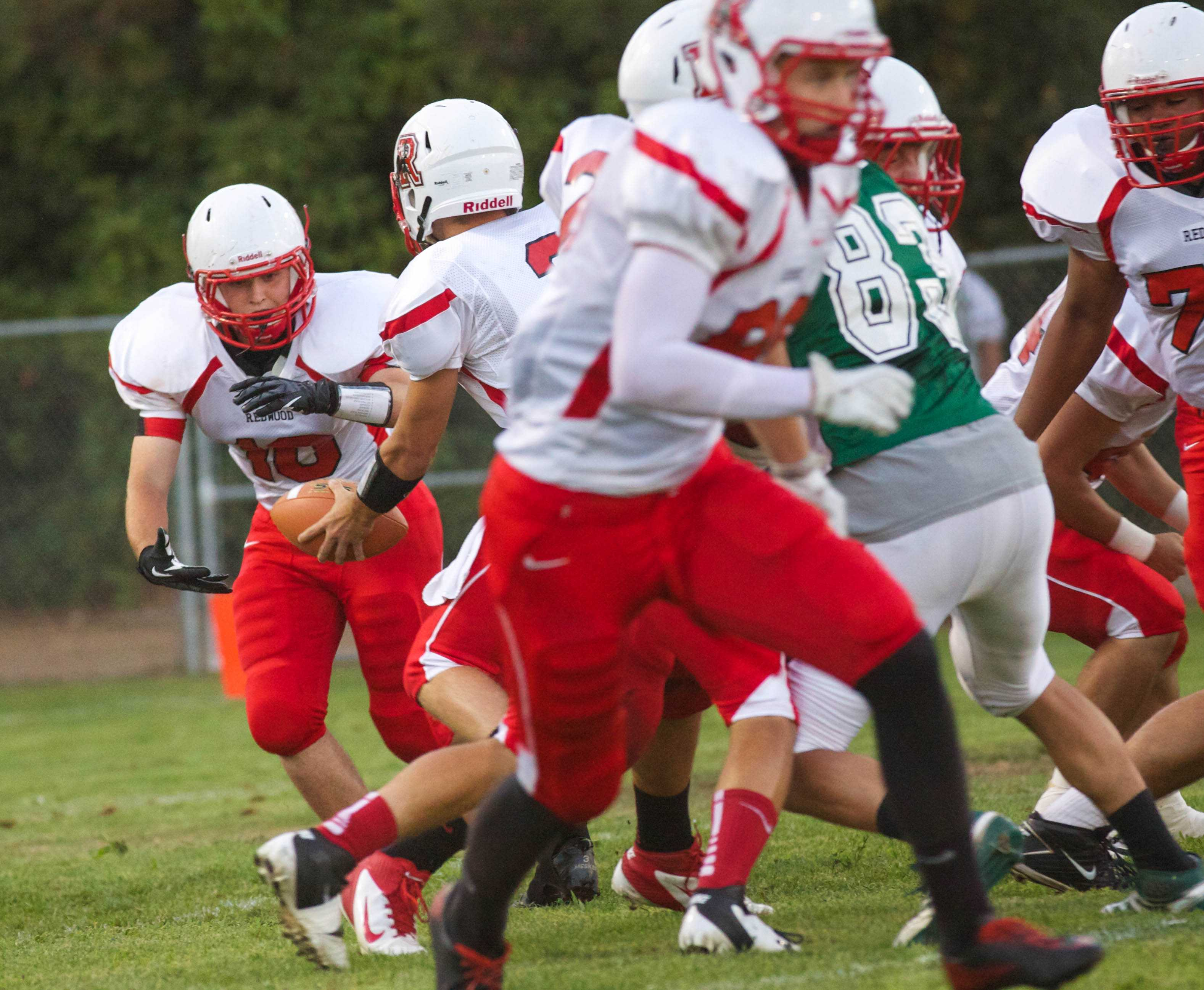 Video: Varsity football feels the sting of Alameda Hornets in 49-20 loss