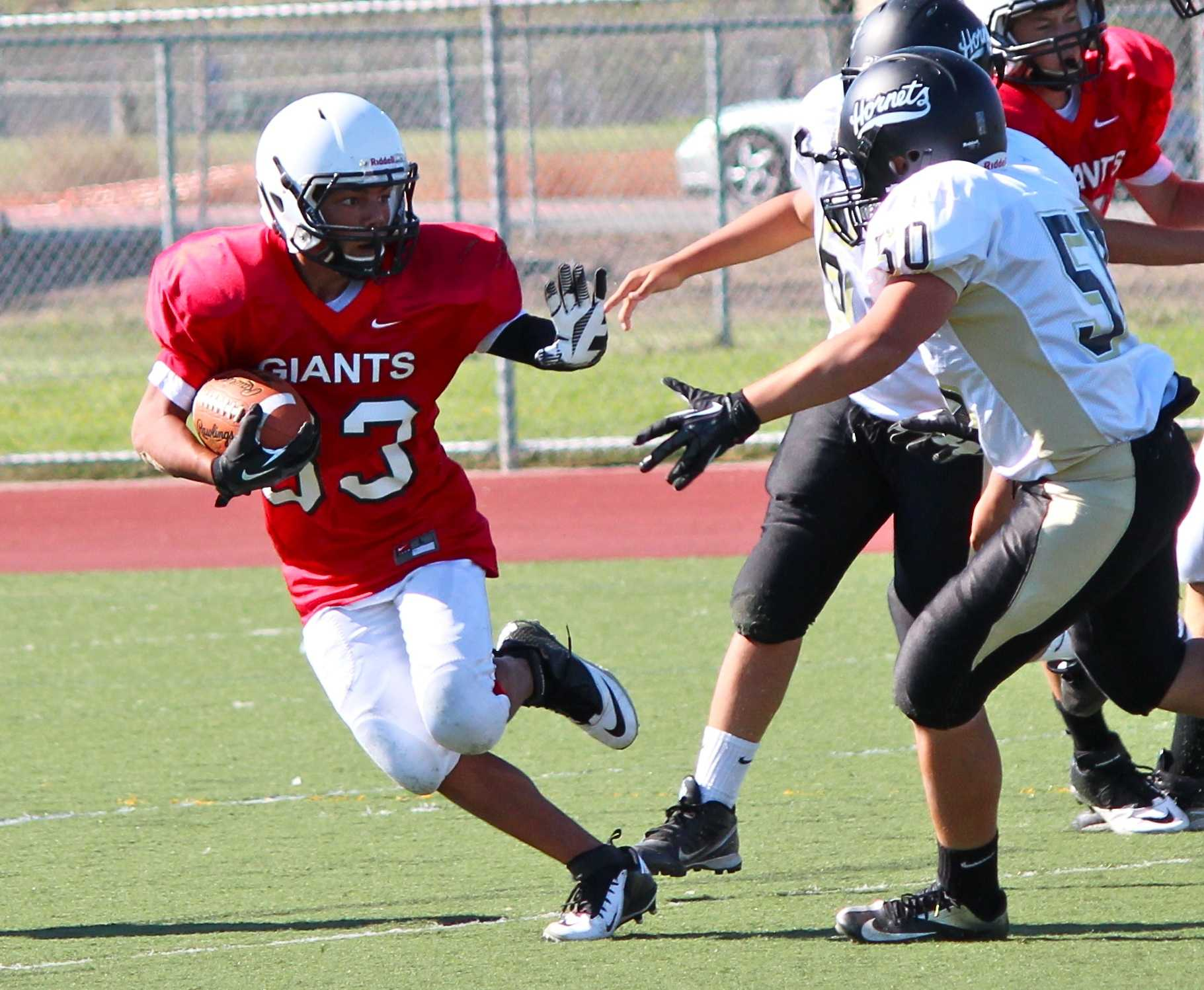 Freshmen football loses 8-6 to Alameda