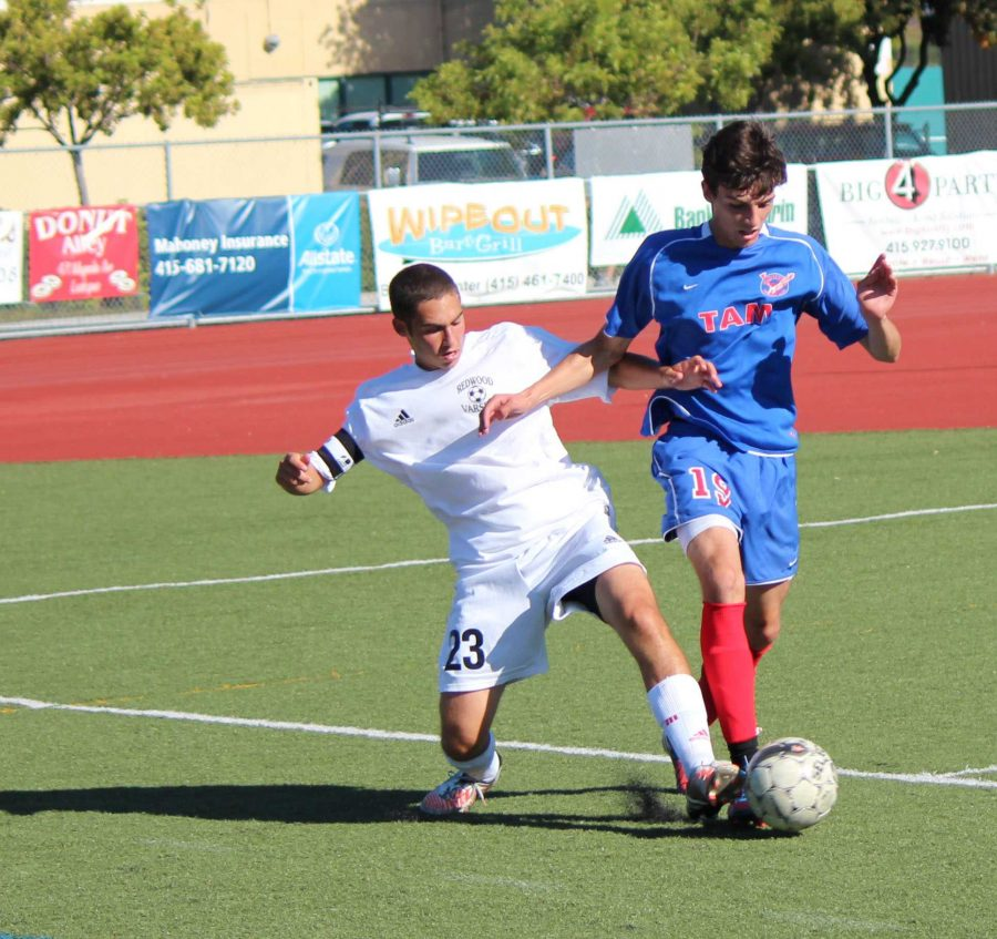 Boys' soccer struggles early in the season