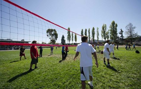 Intramural volleyball tournament heats up lunch time