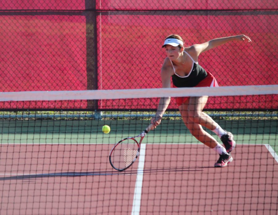 Girls' tennis competes in first round of MCAL playoffs