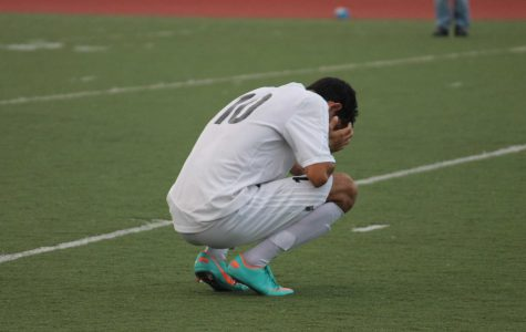 Boys' soccer loses late to Marin Catholic in MCAL playoffs