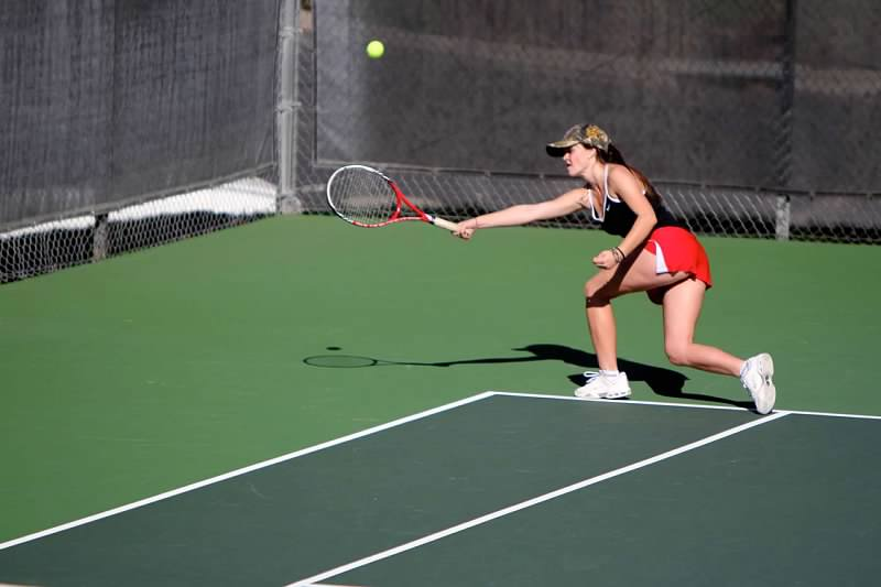 Girls' tennis defeats two teams to advance to NCS semifinals