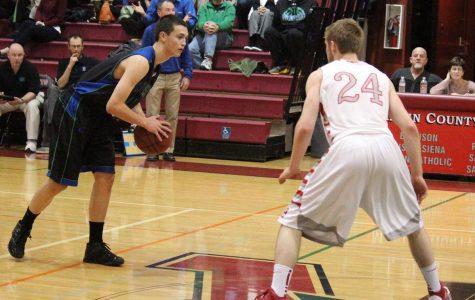 Varsity boys' basketball falls to Branson