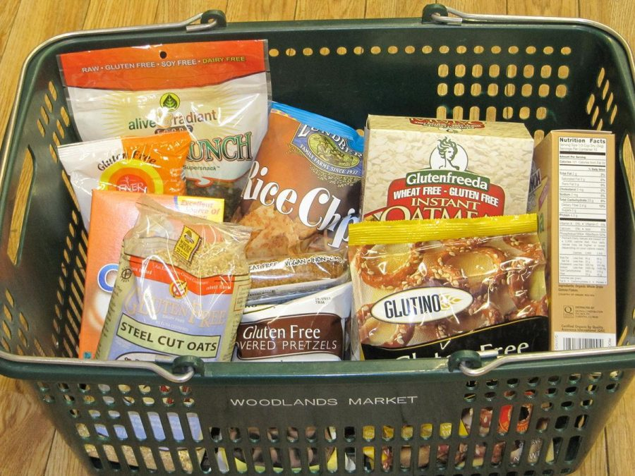 Students test gluten-free diets for health benefits