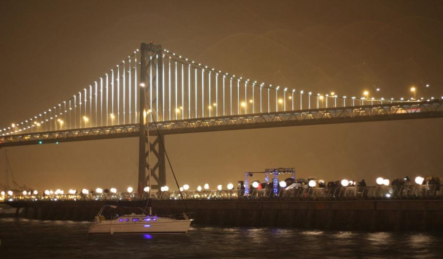 Boats+float+in+front+of+the+Bay+lights+lighting+ceremony.