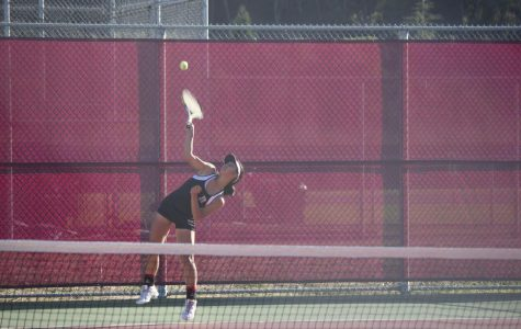 Girls' tennis loses to Tam in tight matchup