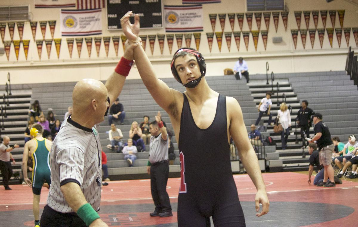 Redwood finishes second at super meet