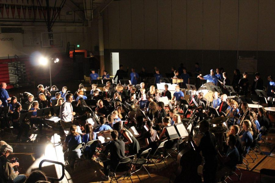 The Redwood and Ingraham bands prepare to play Foundry