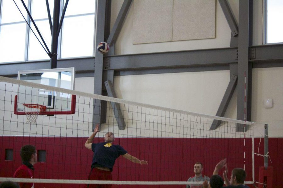 Gallery: Boys' varsity volleyball practices to maintain second seed