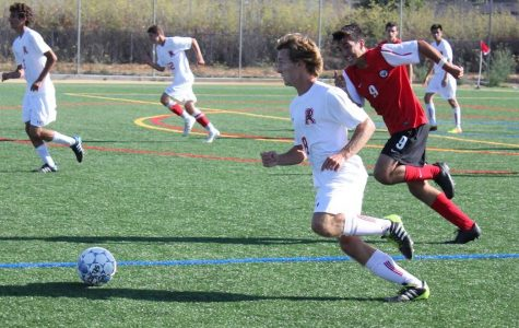 Boys' varsity soccer falls to Marin Academy