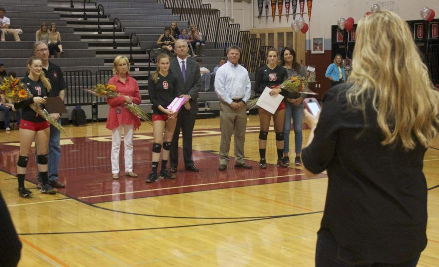 Girls' varsity volleyball defeats Marin Catholic on Senior Night