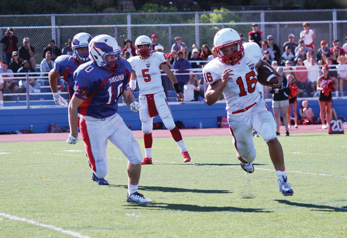 Fierce defense keeps varsity football team in playoff hunt