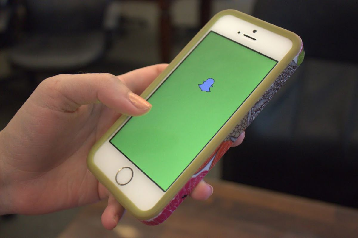 Snapchat add-on leaks thousands of compromising photos of teens