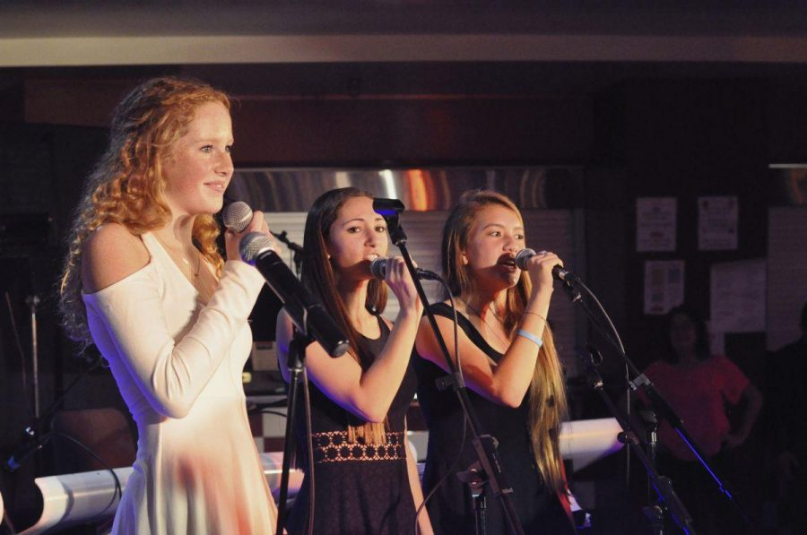 Bryte Darden, Kimmy Bronstein, and Maddy Peng sing at this years Night of Blues.