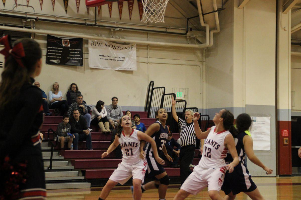 Girls' varsity basketball loses to Justin Siena despite early lead