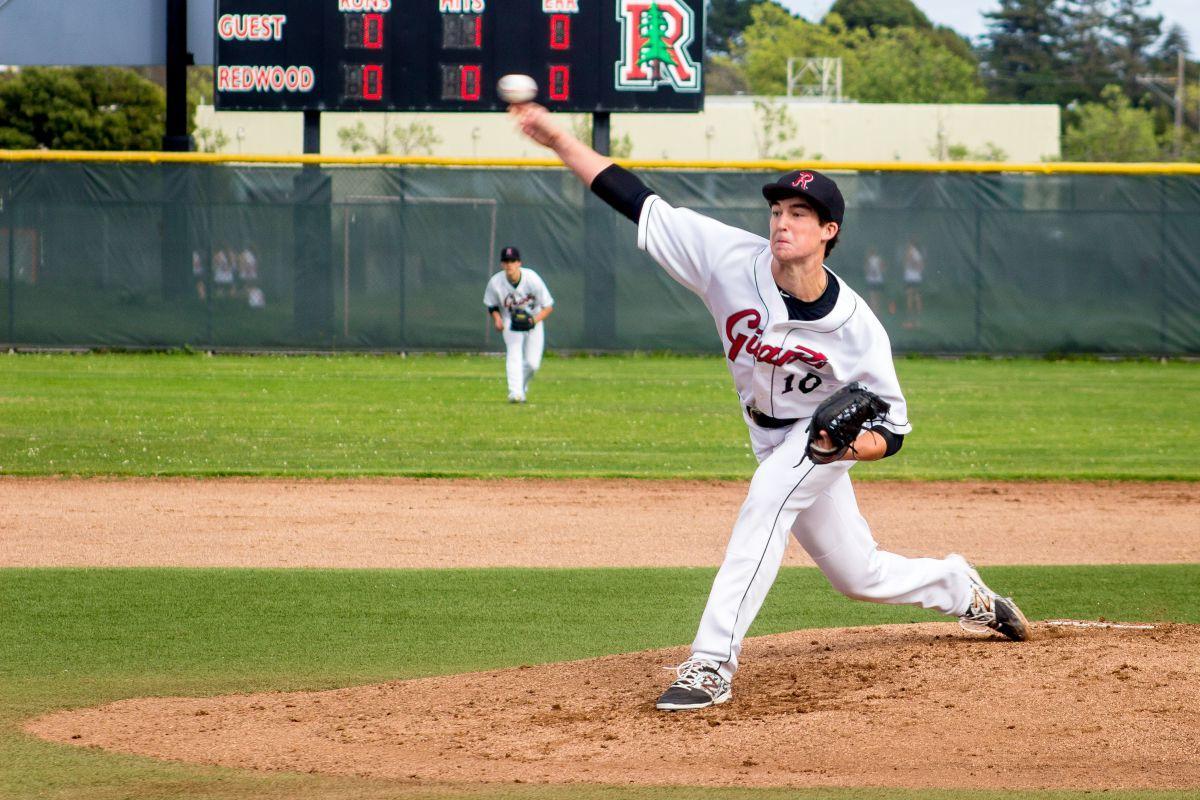 Varsity baseball steals a win in final inning