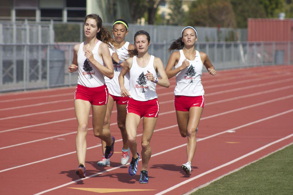 Girls' 4×1600 relay team ascends to fifth in the nation