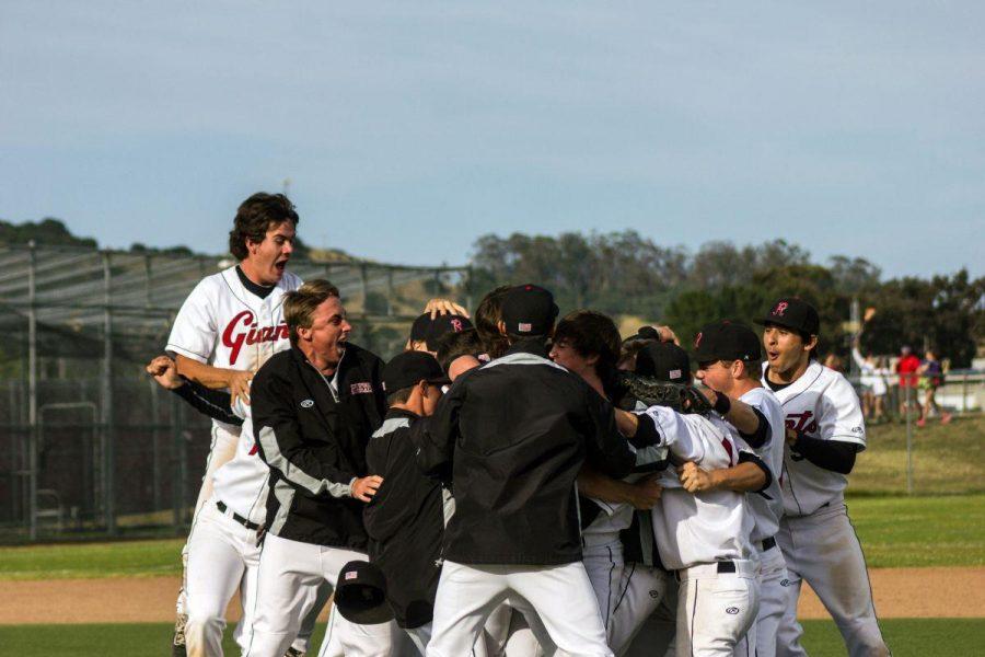 Redwood varsity baseball defeats Justin Siena to clinch regular season title