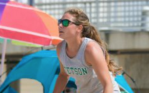 Lundberg, Molina commit for beach volleyball