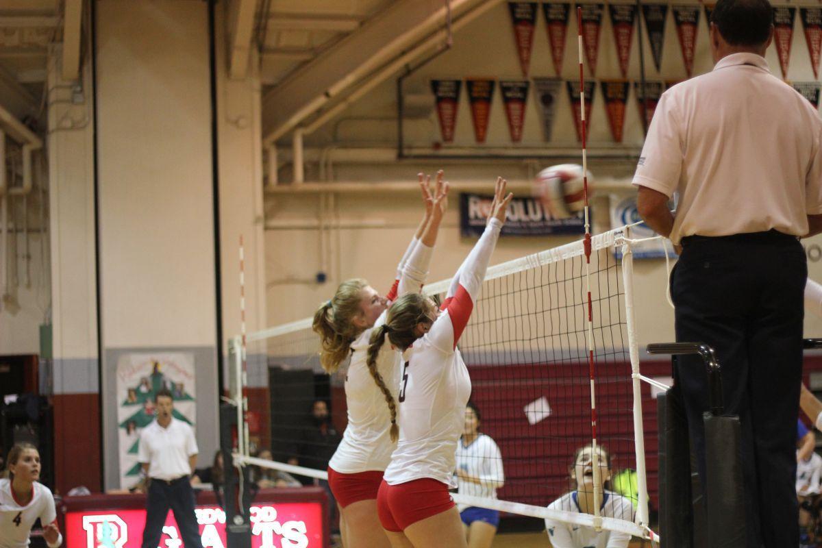 Girls' varsity volleyball sweeps Branson on Senior Night