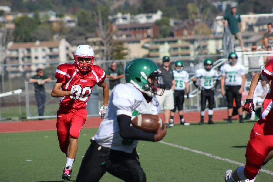 Freshmen/sophomore football team outplayed by Drake