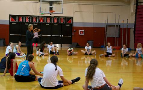 Girls' varsity basketball anticipates upcoming season