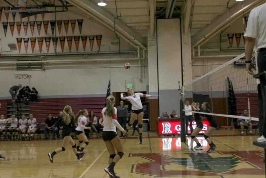 Girls' varsity volleyball beats San Marin in MCAL semifinals