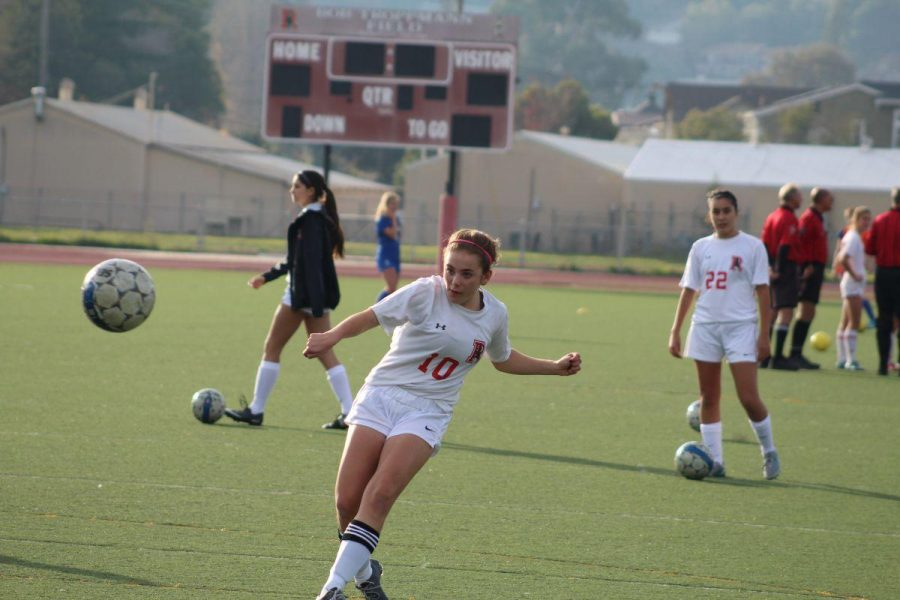 Girls' Varsity Soccer anticipates experience will lead to a better season