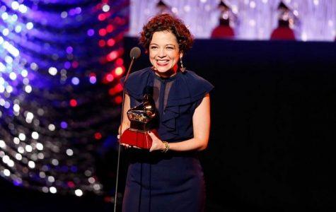 Estrellas espectaculares brillan en los Latin Grammys