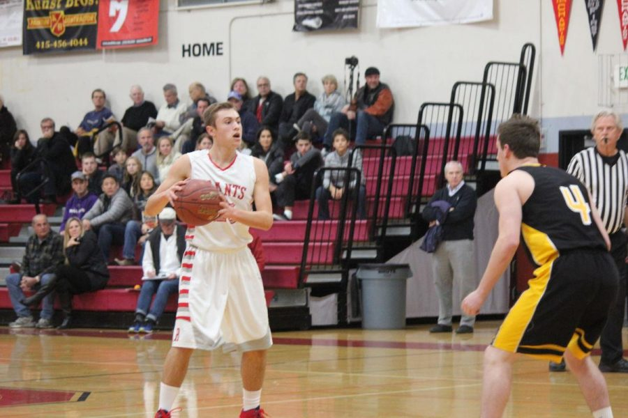 Laub sparks early offense for Giants