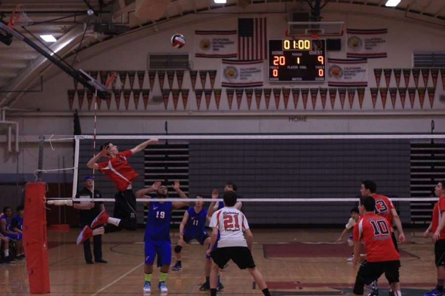 Boys' volleyball wins home opener against Tam
