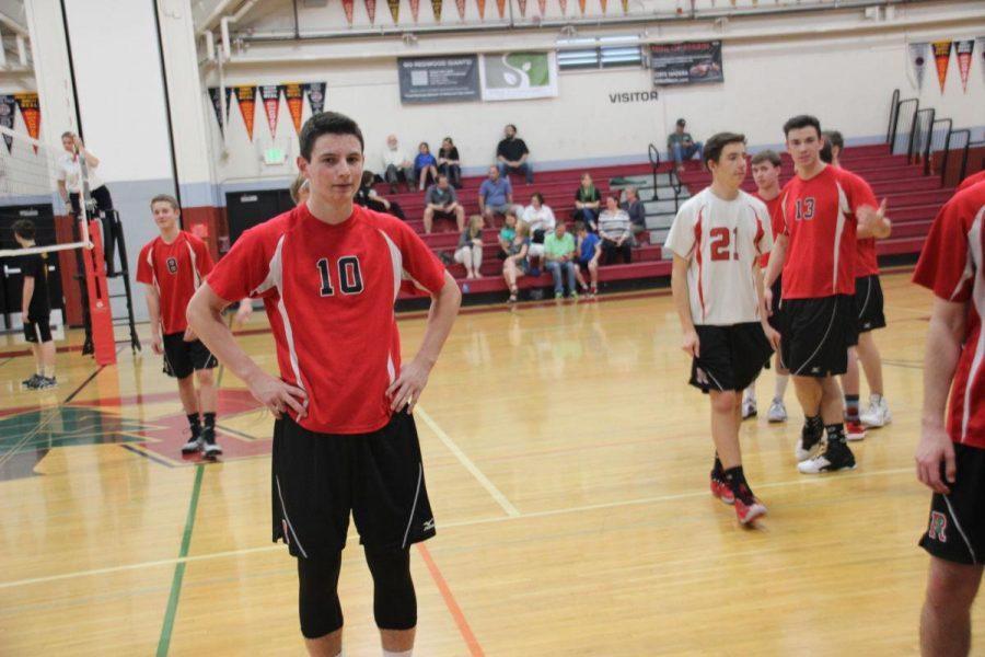 Redwood remains undefeated despite Novato's improved defense