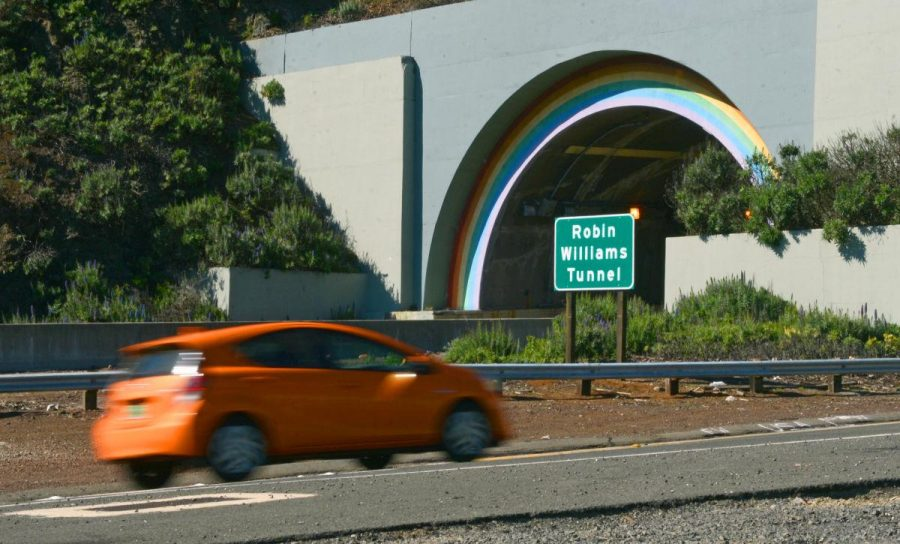 A sign marks the entrance to the Robin Williams Tunnel.