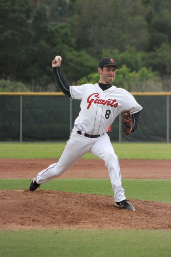 Senior Zach Cohen pitches a ball during the Giants' loss to San Marin on Friday.