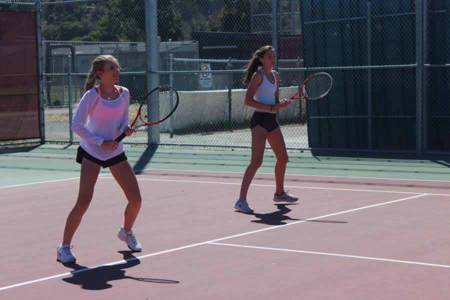 Girls' varsity tennis adapts to new team dynamics and size