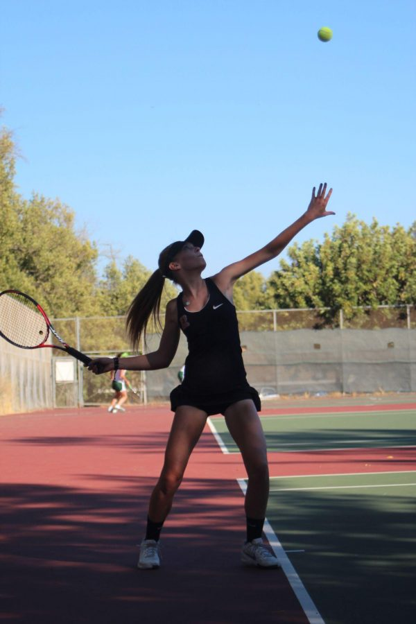 Girls' tennis nets victory with sweep over Mustangs in opening match
