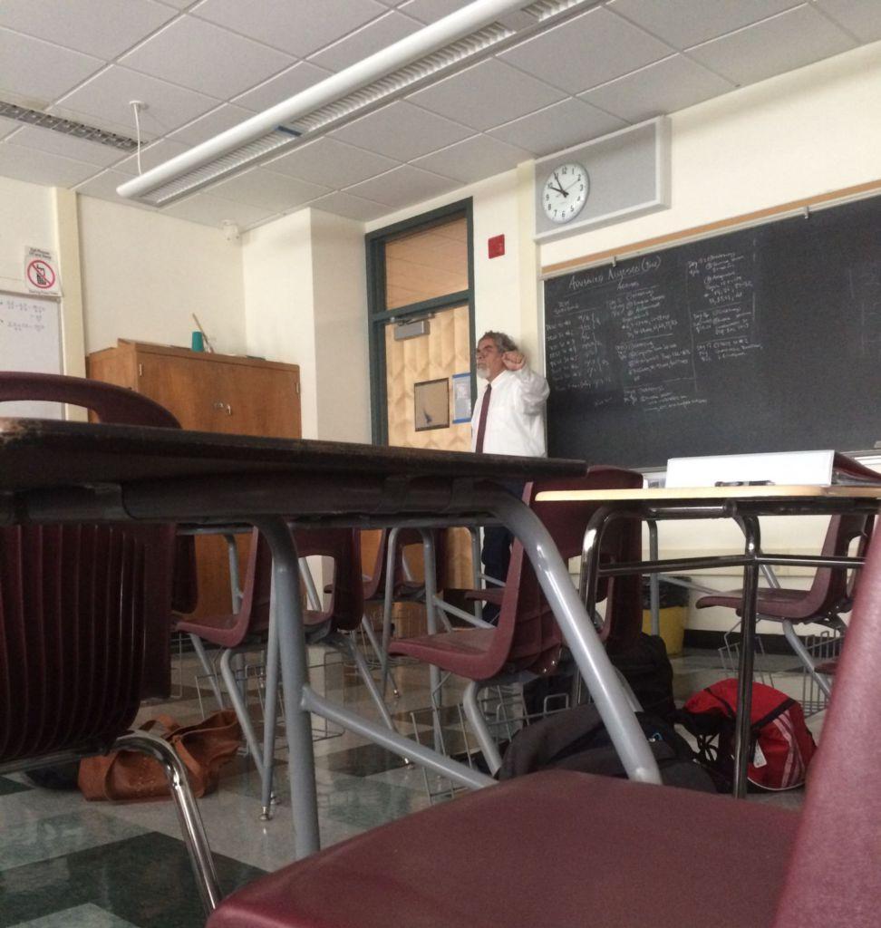 Redwood+High+School+lockdown+due+to+bomb+threat