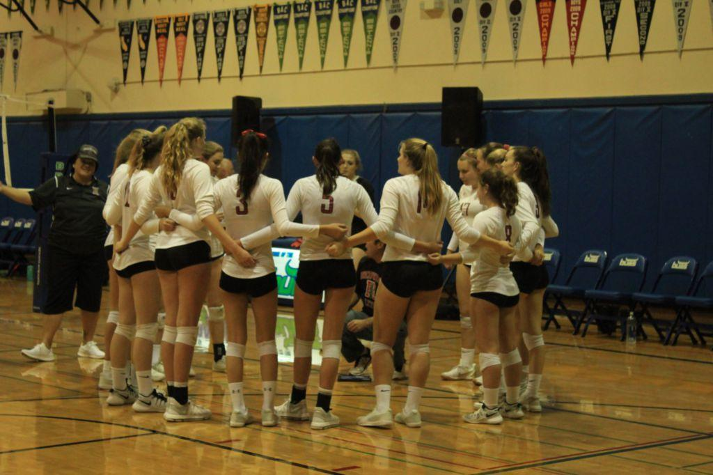 Girls' varsity volleyball comes short of a win in MCAL semi-final game
