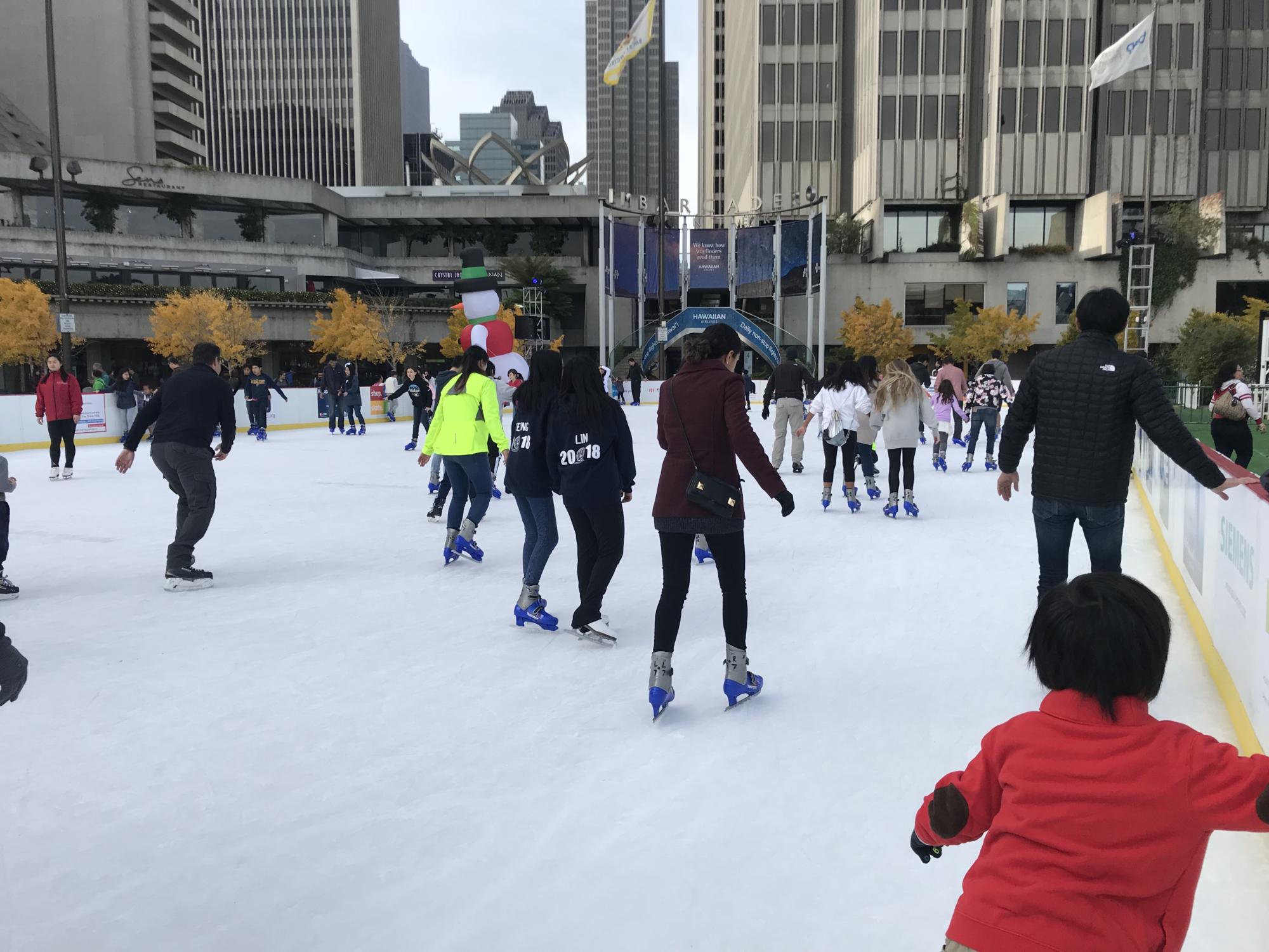 Best outdoor ice skating rinks near Marin