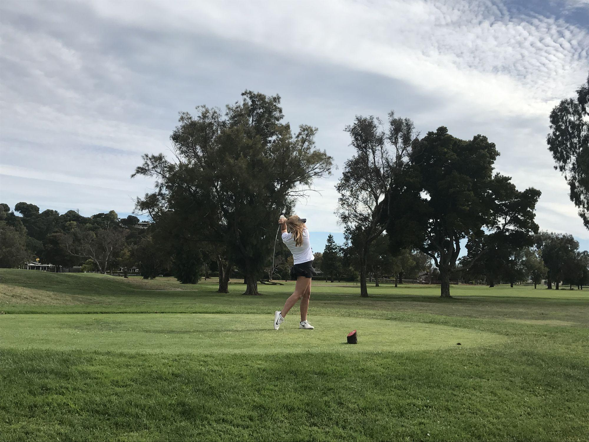 Varsity golf continues winning streak after win against Marin Catholic