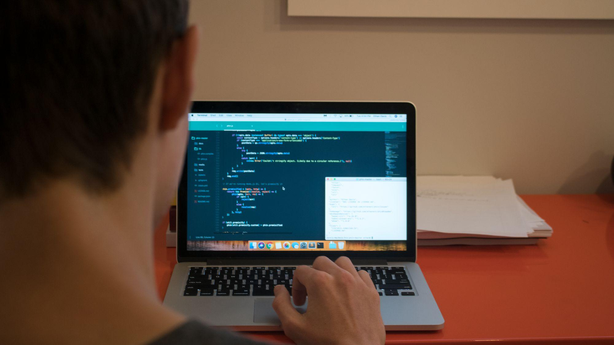 Redwood programmers create tools to make student life easier