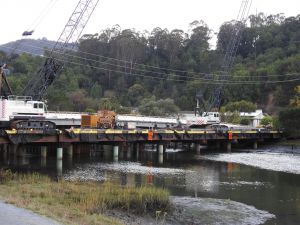 Spanning over four years, the project includes a complete replacement of the current bridge with a cast-iron girder bridge, part of which has already begun to be built.