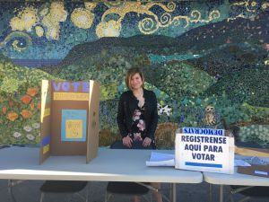 Student clubs encourage voting pre-registration