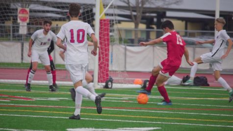 Redwood boys' varsity soccer keeps Tamalpais scoreless